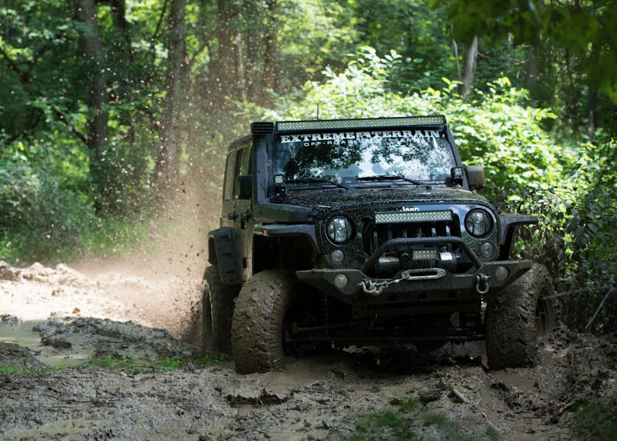 Off Road Jeep Wrangler >> Automatic Vs Manual Transmission Jeep Wranglers Extremeterrain