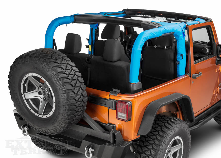 JK Wrangler with Blue Roll Bar Covers