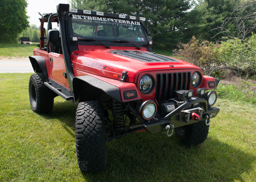 TJ Wrangler with Fully Loaded Stubby Bumper