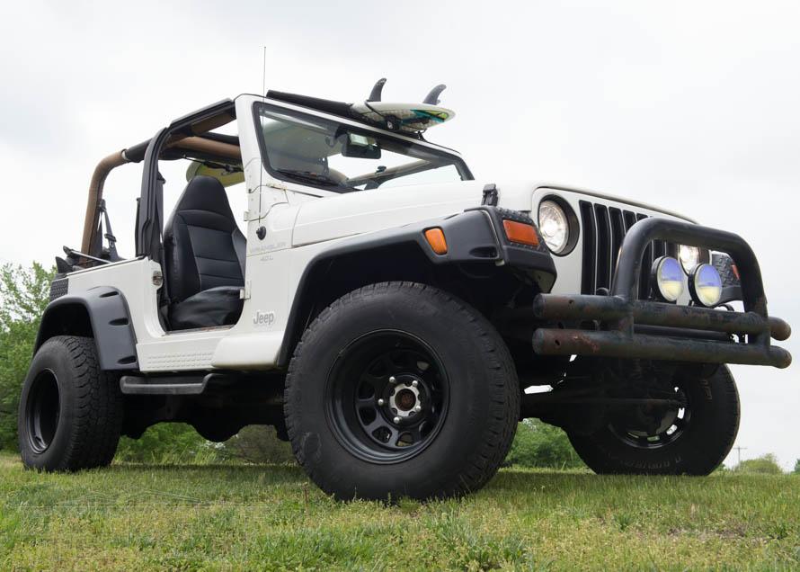 TJ Wrangler with Tubular Front Bumper